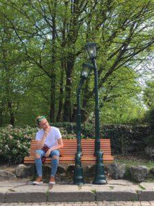Panchina dei lampioni innamorati nel Parco del Valentino a Torino