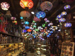 Negozio di luci nel quartiere ebraico di Granada