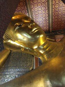 Buddha d'oro sdraiato Wat Pho