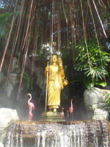 Statua della Montagna d'oro Bangkok