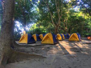 Campeggio sulle Isole Similan in Thailandia