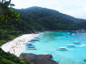 Panorama sulla spiaggia delle Isole Similan in Thailandia