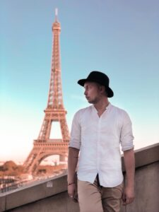 Foto davanti alla Tour Eiffel