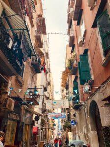 Tra le strade di Napoli