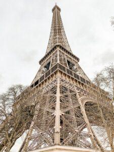 Foto della Tour Eiffel in Interrail a Parigi