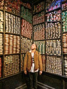 Scaffali con bacchette Olivander Tour Harry Potter a Londra