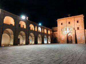 Piazza della chiesa di Santa Maria di Leuca in Puglia