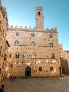 Palazzo dei Priori a Volterra in Toscana