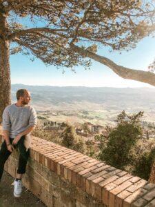 panorama dalle mura di Volterra in Toscana