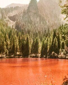Lago di Tovel o Lago Rosso