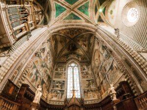 Interno soffitto Duomo di Orvieto