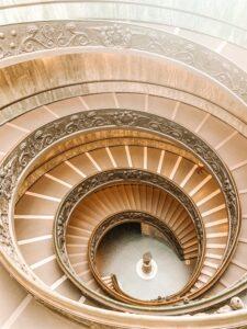 Scale del Museo Vaticano a Roma