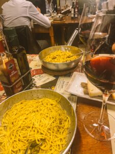 Fetuccine e Tajarin con tartufo e calice di Barolo