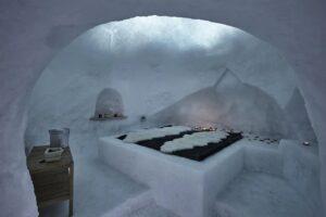 Stanza di ghiaccio in un Igloo Trentino